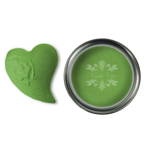 Emerald Queen Nordic Chic paint