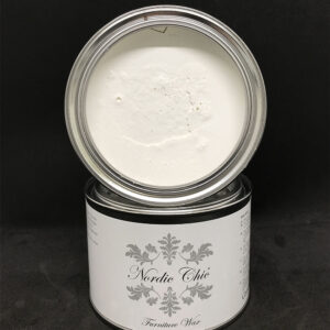 white Nordic Chic Wax